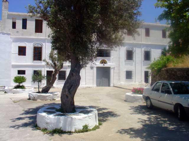 μοναστήρι Αγιας Κυπρι ανδροσ